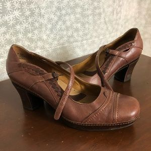 Clarks Brown Mary Jane Heels, Size 7.5